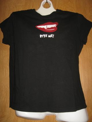 ★ ★Bite Me! vampire women s size XL shirt★★