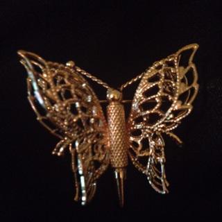 Monet Butterfly Brooch Gold