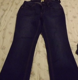 Faded Glory Women's Boot cut jeans size 8A