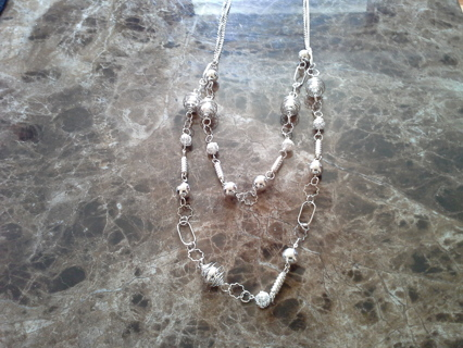 SHINY METAL DOUBLE NECKLACE
