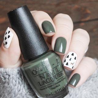 24pcs Green Tree and Deer Fake Nail Tips Short Oval Full Cover False Nail Art Tips Press on Nail F