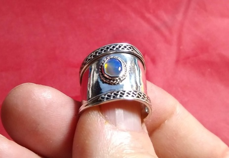 VINTAGE STERLING SILVER HANDMADE OPAL RING THIS IS VERY OLD AND A BEAUTY SIZE 7 STEAL OF A DEAL!