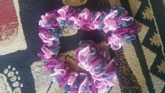 BEAUTIFUL NEW HAND KNITTED SCRAF, (FREE SHIPPING )