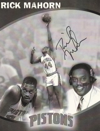 Signed Rick Mahorn of the Detroit Pistons Photo 8 x 11