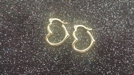 14K GOLD HEART HOOPS ++++MONDAY~BLUES GIN DROP++++