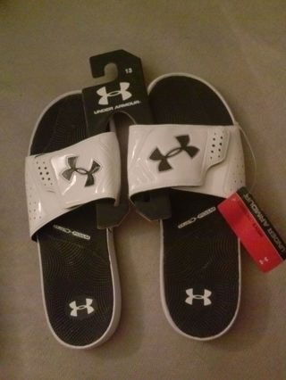 new under armour slip ons nwt