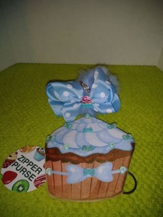 ❤✨❤BRAND NEW KAWAII PASTEL BLUE THEME CUPCAKE COIN PURSE+BONUS CUPCAKE POM-POM KEYCHAIN❤✨❤BY:MAYA