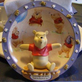 DISNEY  Pooh Bear Decorative Plate (please read descipetion)
