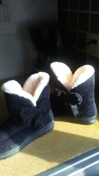 BNWT black boot slippers size 10.5-11