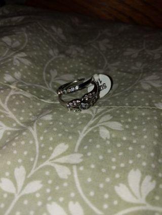 Beautiful silver wedding ring set