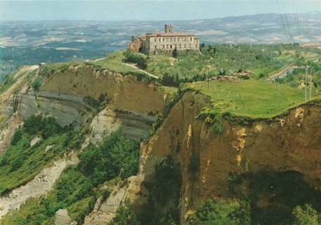Volterra, The Rocks - in the back the Abbey
