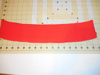 Red knit collar