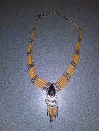 Indian like necklace with precious stone