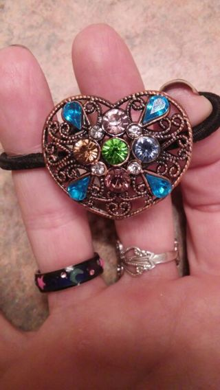 BEAUTIFUL HEART-SHAPED PONYTAIL HOLDER WITH COLORFUL GEMS!!