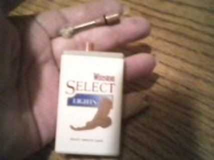 Free: Winston Select Lights Collectable lighter that has a wick you