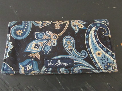 PRE OWNED VERA BRADLEY CHECKBOOK COVER