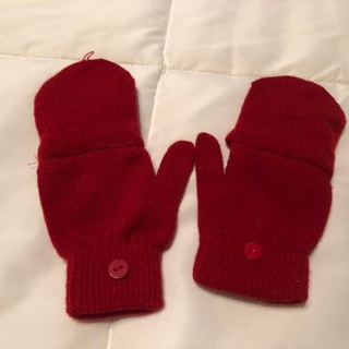 Girl's Red Mittens