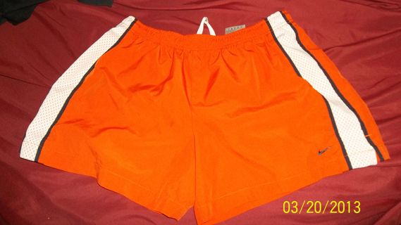 NIKE Ladies Med 8-10 Work out shorts