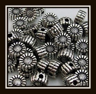 6 (six!) pcs! Sweet Lil Flower Beads Tibetan Silver Charms, 5mm, Brand NEW!