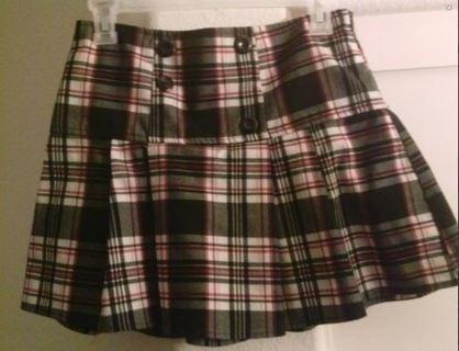 1 cute girl's skirt size 14/16