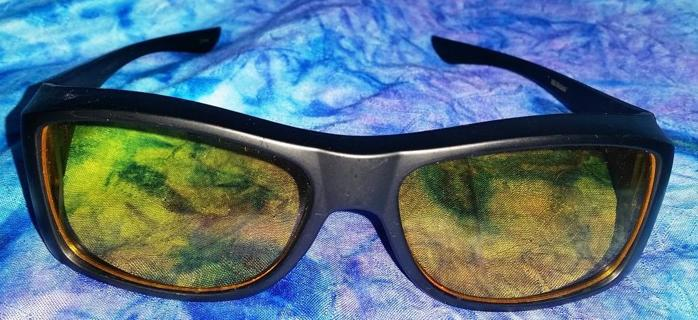 HD VISION SUNGLASSES- As Seen On TV - Can be worn over glasses!