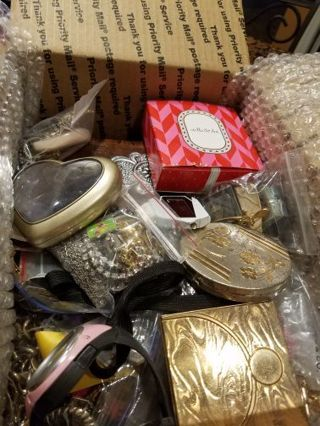 *Massive *end of summer cleanout * jewelry, supplies etc. hundreds of items!! I will keep adding