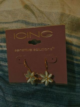 New Earring by ICING