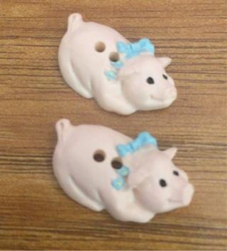 12 Tiny Pink Piggy Buttons! CUTE