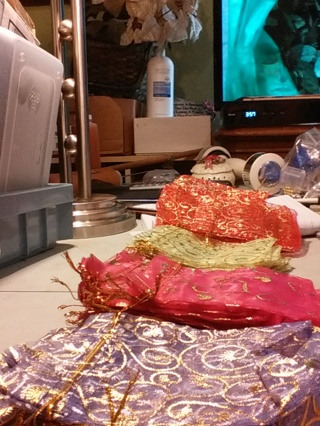 25 mixed colors, designs & sizes GORGEOUS GIFT BAGS  DRAW STRING ORGANZA.