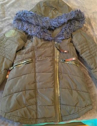 Canada Wintercoat Size 7/8!!