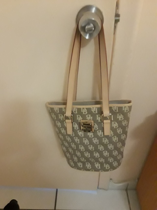 Never Used DOONEY and BOURKE HANDBAG free shipping with tracking