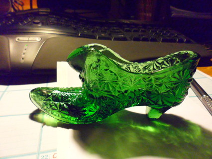 emerald green fenton slipper with defect