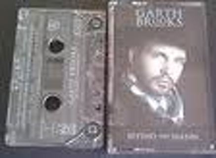 Set of 2 Garth Brooks cassette tapes