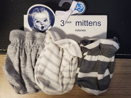 NEW - Gerber - 3 pack mittens - size 0 to 3months