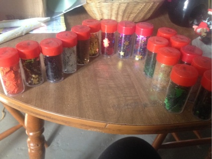 Holiday Shaped Glitter Pieces! 17 Containers!