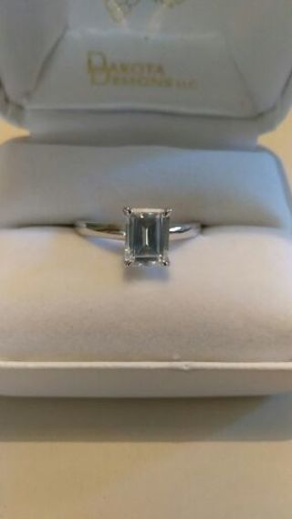 SALE!!! Beautiful STERLING SILVER Engagement Ring 925 AAA Cubic Zirconia Size 9