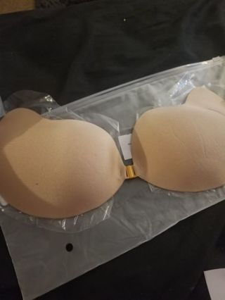 BRAND NEW*Strapless bra (Size C)*FREE SHIPPING WITH TRACKING