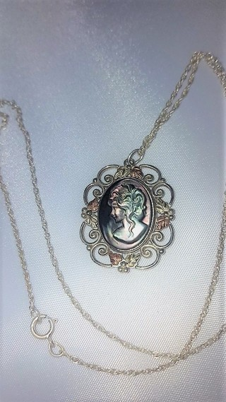 12k Black Hills Gold & 925 Silver Cameo Necklace~ Beautiful