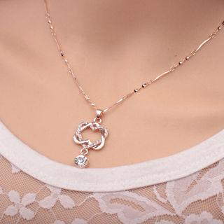 ✨Double Twist Hearts Rhinestone Silver tone Necklace -NEW