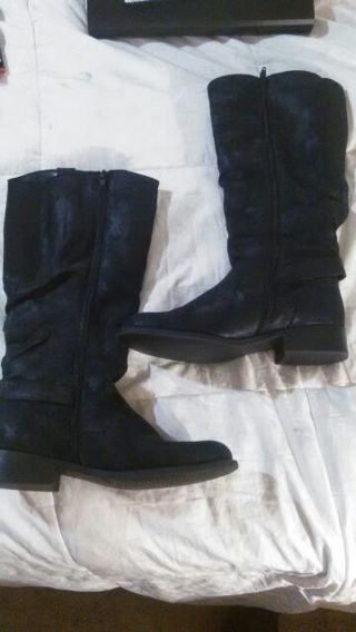 Super cute black boots