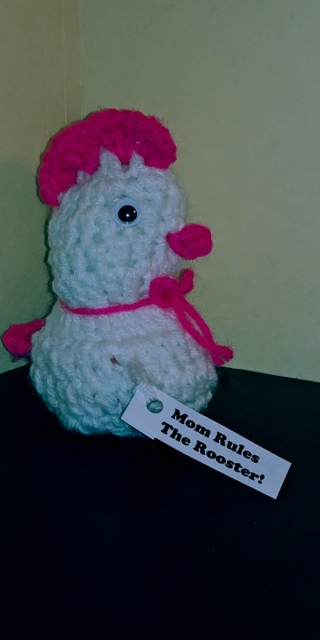 """Crochet Chicken (B-7627) White/ Med. Pink -- """"Mom Rules the Rooster!"""""""