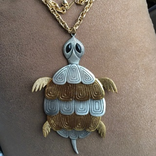 Avon Vintage Turtle Necklace