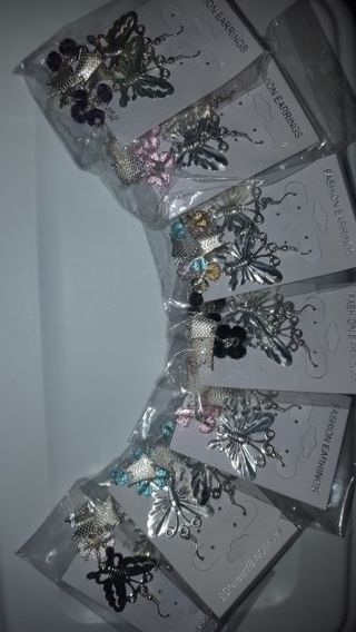 ☆ FREE SHIPPING & BRAN NEW ☆ lot of ~7~ butterfly earrings.