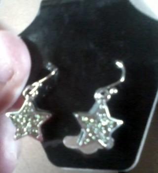 pretty star earrings new