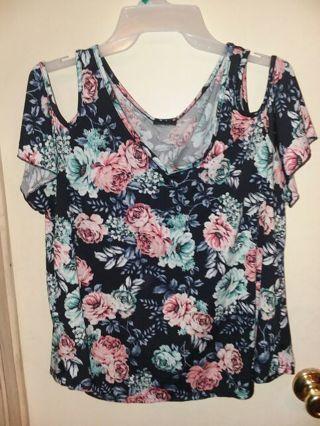 f91f5394a08f1 FREE  Super cute womens size large   XL off shoulder top   shirt. Rue 21  brand