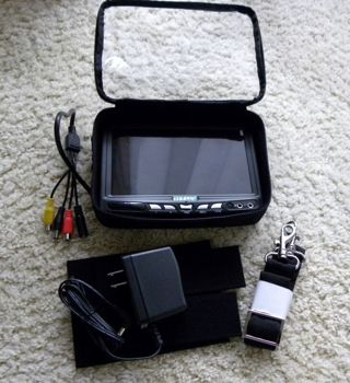 "7"" TFT- LED  Monitor with Bag"