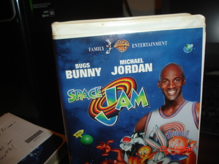 space jam,vhs movie,michael jordan and bugs bunny,exc cond.