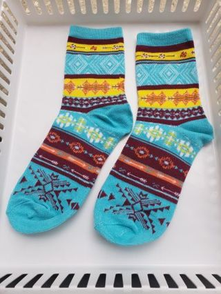 Sz. Small new without tags turquoise socks