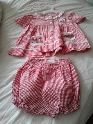ADORABLE GIRL'S OUTFIT 3-6 MONTHS