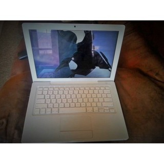 Apple 13-Inch MA699LL/A Notebook Intel Core 2 Duo 1.83GHz 512MB Memory 60GB